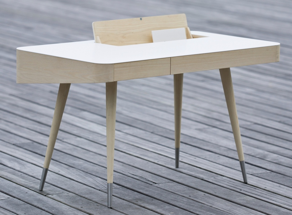 AK 1330 - Desk / Oak